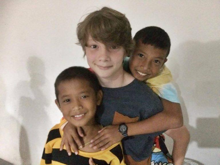 volontarresor-med-familj-barn